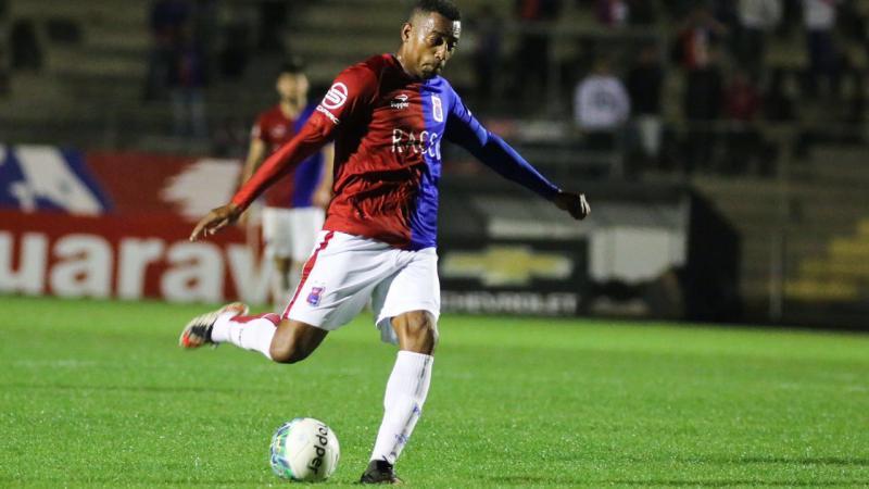 Paraná Clube rescinde com atacante Robert